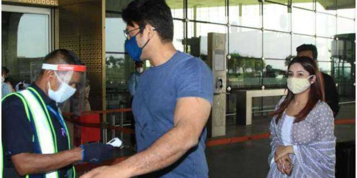 Rumoured couple Siddharth Shukla and Sehnnaz gill off to Goa for New year.