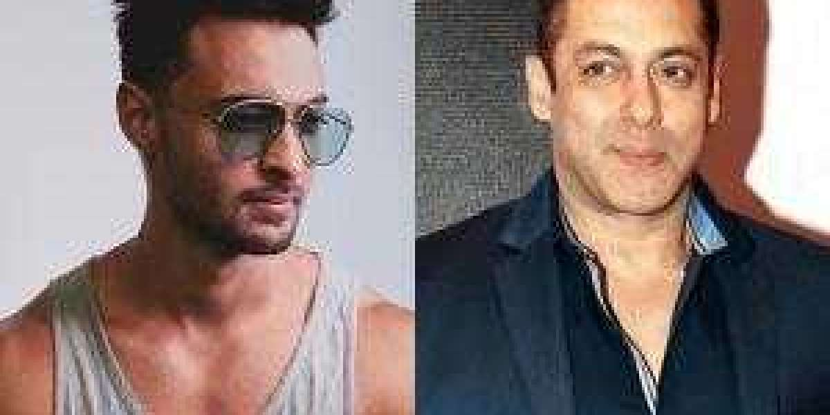 Ayush Sharma praises Salman khan