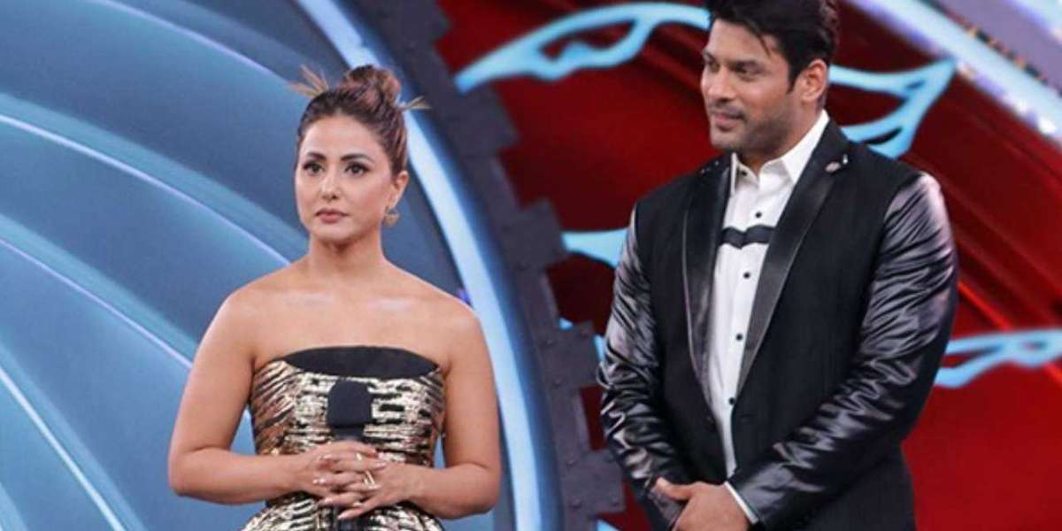 Hina Khan seen protecting Bigg boss contestants